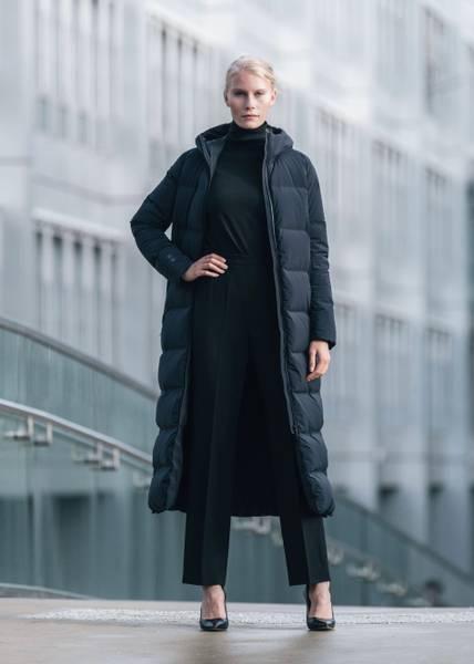 Bilde av UBR - W Infinity Coat Black